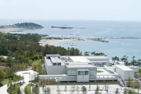 The musuem of Modern Art, Hayama